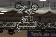 NIGHT of the JUMPs - Mit Clicker 360 zum Sieg : Sheehan gewinnt in Hamburg