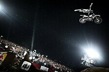 NIGHT of the JUMPs - Zuschauer-Rekord: Video - X-Fighters: Adams gewinnt