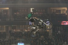 NIGHT of the JUMPs - Freestyle Motocross st�rmt den Olympiapark: Die Aerobatics landen in M�nchen