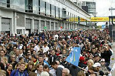 DTM - Kultiger Show-Act: Fan-Service: Racoon heizt in der Lausitz ein