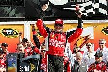 NASCAR - Danica Patrick landet in der Mauer : Stewart und Kenseth gewinnen Daytona Duels