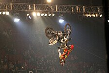 NIGHT of the JUMPs - Jede Menge Tricks: Video - Podmol �ber Berlin und Basel