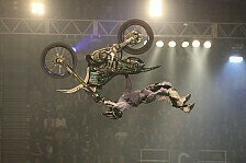 NIGHT of the JUMPs - Sensationeller Luc Ackermann: Podmol dank Sieg zur�ck im Titelkampf