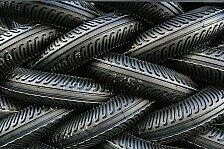 Superbike - 24 Reifen f�r die Superbiker: Pirelli gibt Gummi
