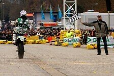 ADAC Supermoto - Gemeinsames Rennen auf dem Messegel�nde: Show-Rennen auf der INTERMOTO