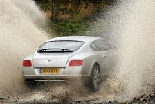 WRC - Video: Meeke brettert im Bentley durch Wales