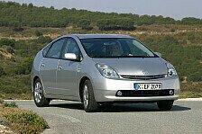 Auto - Vollhybrid-Vorreiter deb�tierte 1997: Toyota Prius feiert 15. Geburtstag