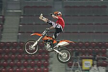 NIGHT of the JUMPs - Luc Ackermann is rocking well : Europas gr��tes FMX-Talent bekommt Vertrag