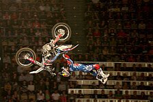 NIGHT of the JUMPs - Spanischer FMX Tornado verw�stet die NIGHT of the JUMPs: Torres gewinnt am Freitag in Basel