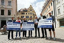 DTM - DTM-Piloten übergeben Spendenschecks