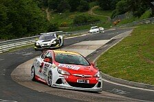 VLN - Auftritt mit Trauerflor: Opel Astra OPC Cup: erstes Rennen nach Todesfall