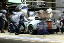 24 h von Le Mans - Makowiecki hakt Unfall ab