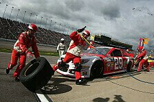 NASCAR - Pace Car drehte 71 F�hrungsrunden: Harvick siegt beim Gelb-Festival