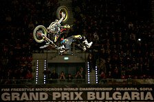 NIGHT of the JUMPs - Tragischer Held: Rinaldo kr�nt sich zum FMX Weltmeister 2013