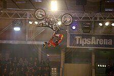 NIGHT of the JUMPs - Cliffhanger Backflip to No Hand Landing: Podmol gewinnt EM-Auftakt in Linz