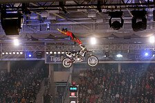 NIGHT of the JUMPs - Pilat in Linz knapp geschlagen: Doppelsieg f�r Podmol und Tschechien
