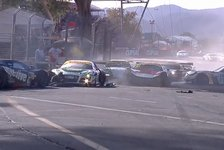 Mehr Sportwagen - Video: Australische V8: Mega-Crash in Adelaide