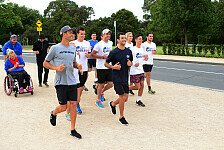 Formel 1 - Bilder: Australien GP - Wings for Life Run mit Ricciardo