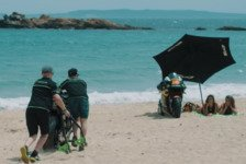 MotoGP - Video: Sonne, Strand & M�dels - der Sommer der Tech3-Jungs