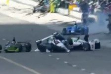 IndyCar - Video: IndyCar-Crash in der Boxengasse