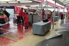 Regenchaos vor dem Start der Rallye Spanien