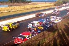 12 Autos Schrott - Massen-Unfall bei V8 Supercars