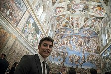 MotoGP-Piloten besuchen den Papst im Vatikan