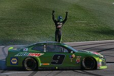 NASCAR: Fotos Rennen 32 - Playoffs, Round of 12, Kansas