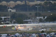 NASCAR - Video: NASCAR Daytona 500 2019: Crash-Festival mit Big One
