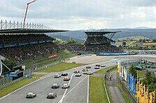 DTM fixiert: Zuschauer beim ersten Nürburgring-Rennen 2020