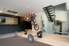 Bikes - Video: #BleibtZuhause: Trial-Ass Toni Bou macht's vor