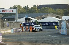 Formel E Berlin: Auto fällt vom Kran - Batteriewechsel nötig