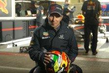 Formel 1 - Video: Sergio Perez zeigt seinen ersten Red-Bull-Helm mit Schumi-Motto