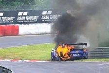 24h Nürburgring: Hier steht ein Porsche in Flammen