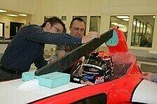 Formel 1 - Bilder: Midland F1: Seat Fitting Christijan Albers