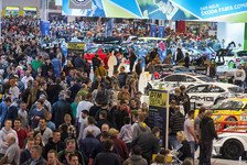 VLN - VLN-Teams präsentieren ihre Fahrzeuge