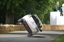 Auto - Weltrekord-Stunt in Goodwood
