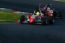Mick Schumacher jagt Joey Mawson beim Finale der ADAC Formel 4 in Hockenheim