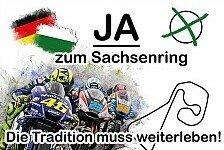 MotoGP-Fans bringen Protest-Plakat an den Sachsenring