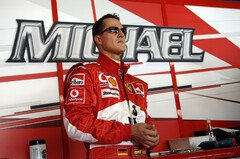 Die F1-Welt bangt um Michael Schumacher - Foto: Ferrari Press Office