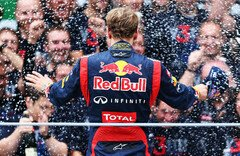 Demonstrierten Einheit: Vettel & Red Bull - Foto: Red Bull