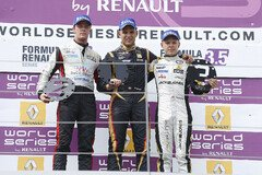 Magnussen und S�rensen am Red Bull Ring 2013 - Foto: WS by Renault