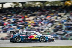 Red Bull hat in der DTM als Sponsor Tradition - Foto: Simninja