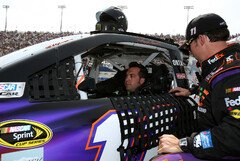 Sam Hornish Junior im Toyota von Denny Hamlin - Foto: NASCAR