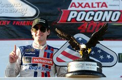 Ryan Blaney in der Victory Lane - Foto: NASCAR