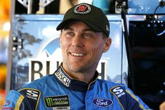 Kevin Harvick ist erneut in Top-Form - Foto: LAT Images