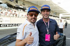 Fernando Alonso und Jimmie Johnson - Foto: LAT Images