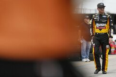 Clint Bowyer in beiden Trainingssessions top - Foto: LAT Images