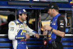 Chase Elliott mit Crew Chief Alan Gustafson - Foto: LAT Images