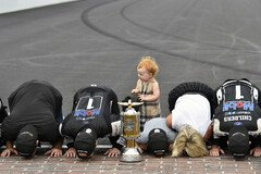 Tradition: Kissing the Bricks - Foto: LAT Images